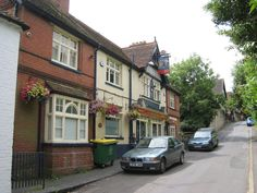 The Clothworkers Arms, Sutton Valence by Oast House Archive, via Geograph