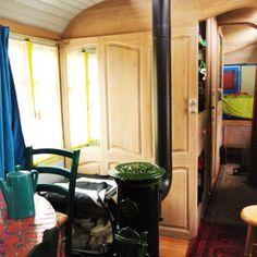 roulottes cheval bretagne google zoeken wagons ho pinterest. Black Bedroom Furniture Sets. Home Design Ideas