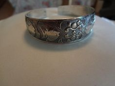 Ship Included. No Fee. Beautiful Antiqued Finish Tibetan Silver Cuff Bracelet $6.00 ( I )