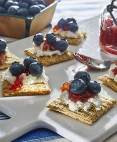 Take your staycation to all-new heights with this sweet and salty Patriotic TRISCUIT Topper!