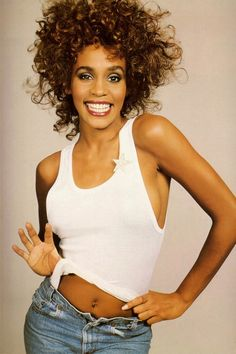 Whitney Houston, oh how I loved you! So sad you turned to drugs and now have left us :( RIP my darling Whitney 😢 Beverly Hills, Girl Bands, Britney Spears, Beautiful Black Women, Beautiful People, Divas Pop, Hip Hop, Mtv Video Music Award, Billboard Music Awards