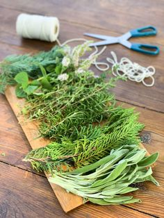A tutorial for how to make smudge sticks on your own, using a variety of herbs and foraged materials Smudging Prayer, Sage Smudging, Blue Spruce, Herbal Remedies, Natural Remedies, Cedar Smudge, New Moon Rituals, Mint Flowers, Types Of Herbs