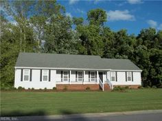 GREAT UPDATED RNCH. FORMAL LR & DR, DEN W/FP. OPEN KITCHEN W/ALL APP INCLUDING GAS STOVE. UTILITY CLOSET & HALF BATH AT KIT. FROG IS 4TH BR. MASTER BR WITH FULL BATH. FRESH PAINT, NEW CARPET & CERAMIC TILE FLOORS. ATTACHED 2 CAR GARAGE & DECK THAT OVERLOOKS WOODED AREA. SORRY NO PETS.
