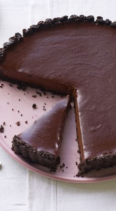 Oh, myyyyy. We can't take our eyes off Nigella's hypnotic chocolate tart with a pinch of salt to drive you wild.
