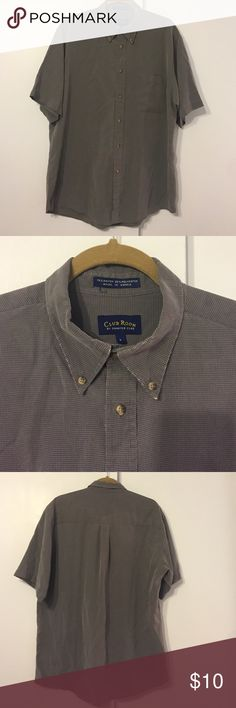 Soft men's button down short sleeve shirt Charter club size large in gently used condition. No stains no tears not missing buttons. Some signs of wear at collar but overall good condition. Grey Charter Club Shirts Casual Button Down Shirts