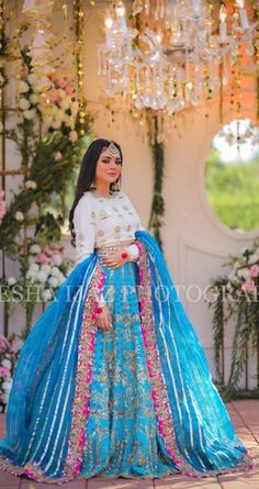 African Print Wedding Dress, Wedding Dresses Men Indian, Simple Pakistani Dresses, Simple Wedding Gowns, Pakistani Wedding Outfits, Indian Fashion Dresses, Indian Bridal Outfits, Indian Bridal Fashion, Dress Indian Style