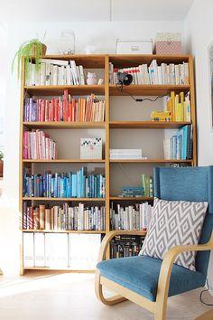 Lundia bookshelf / Color coordinated bookshelf / Kotisaari blog