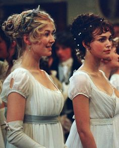 Jane Austen Fashion 2019: Rosamund Pike and Keira Knightley in Pride and Prejudice wearing white dresses and pearls