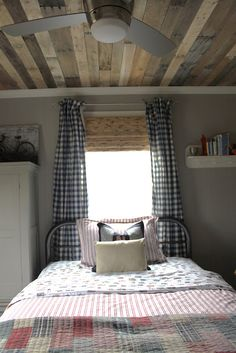 awesome ceiling (DIY from pallets)