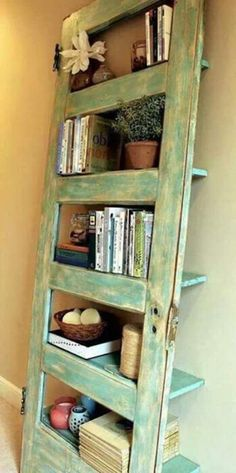 Game - Can You Guess What These Repurposed Items Are Made From I've made a headboard out of an old door.totally love the bookshelf out of an old door idea!I've made a headboard out of an old door.totally love the bookshelf out of an old door idea! Home Projects, Projects To Try, Furniture Projects, Furniture Plans, Old Door Projects, Pallet Furniture, Furniture Makeover, Bedroom Furniture, Furniture Chairs