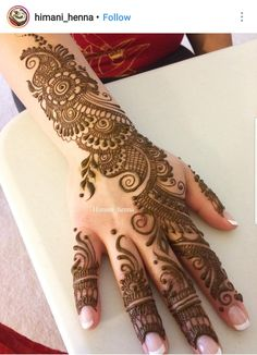 Girls paint their hands and legs with lovely and pretty new mehndi designs. These stunning mehndi designs are perfect for everybody. Full Mehndi Designs, Simple Arabic Mehndi Designs, Mehndi Designs For Beginners, Mehndi Designs For Girls, Mehndi Design Pictures, Mehndi Designs For Fingers, Dulhan Mehndi Designs, Beautiful Mehndi Design, Henna Tattoo Designs