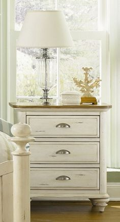 Cottage Inspired Three-Drawer Nightstand in Distressed Finish with Spindle Feet - Ocean Isle
