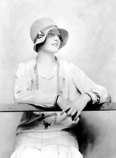 (Ruth Patterson, I would love to have pictures of my great-grandmother from the 20s Fashion, Art Deco Fashion, Fashion History, Vintage Fashion, Flapper Era, Flapper Style, Flapper Girls, Mode Vintage, Vintage Ladies
