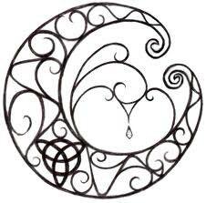 Celtic moon Heidnisches Tattoo, Tattoo Mond, Pagan Tattoo, Wiccan Tattoos, Symbol Tattoos, Tatoo Art, Celtic Tattoos, Druid Tattoo, Tattoo Wave