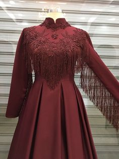 The most beautiful hijab tassel evening dress models – fashion hijab clothing Sweaters Outfits, 70s Outfits, Mode Outfits, Night Outfits, Dress Outfits, School Outfits, Teenage Outfits, Casual Outfits, Abaya Fashion