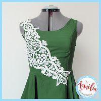 Aemilia: June jurkje met kant-detail Graphic Tank, Tank Tops, Fashion, Moda, Halter Tops, Fashion Styles, Fashion Illustrations