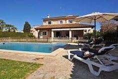 Komfortable Familien Villa mit Pool und Garten in ruhiger Wohnlage