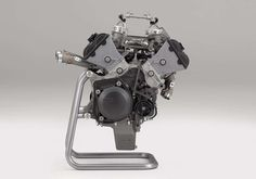 Zbliżenie na silnik RC213V-S