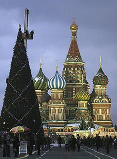 Christmas in Russia #christmas #aroundtheworld #party WWW.PALSNAP.COM