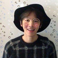 Kris Wu, Baekhyun, Mens Sunglasses, Icons, Kawaii, Kpop, Man Sunglasses, Kawaii Cute, Symbols