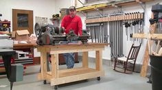 Woodworking Workbenches Building a Strong Workbench Frame made of all Boards - Wood Top Workbench, Portable Workbench, Woodworking Workbench, Woodworking Videos, Woodworking Projects, Diy Projects, Build Your Own Garage, Assembly Table, Tool Bench
