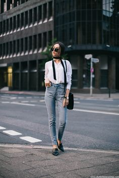 70s-skinny-scarf-white-blouse-cheapmonday-mom-jeans-mango-pointed-loafers-outfit-2