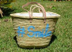 divertido, original, con letras smile  azul, con asas de pita y de cuero.  No te quedes sin el tuyo!!! www.limye.com