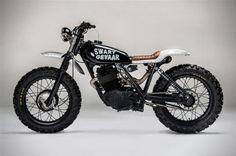 "Honda ""Swart Gevaar"" by Los Muertos Motorcycles (via Bike Exif) Cool Motorcycles, Vintage Motorcycles, Moto Scrambler, Street Scrambler, Bike Friday, Harley Davidson, Porsche, Moto Cafe, Cafe Bike"
