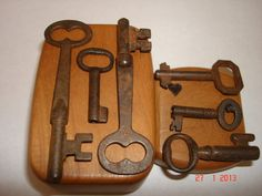 Antique 6 Piece Set Of Keys With Original Patina by TessesAttic, $20.00