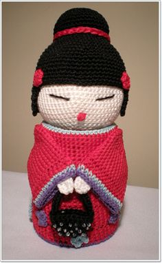 Small Things of Crochet: Kokeshi Cute Crochet, Crochet Motif, Crochet Toys, Crochet Baby, Crochet Teddy Bear Pattern, Crochet Dolls Free Patterns, Amigurumi Patterns, Kokeshi Dolls, Matryoshka Doll