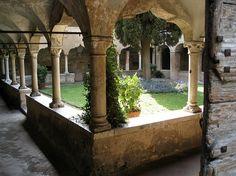 Cloître de l'église San Francesco - Gargnano - Province de Brescia - Lombardie