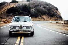 Этот BMW 2002 S14 EVO Swap – просто идеальный слипер  Мои друзья побывали на Stance Works profiled the cars Джеффа Тига в начале года, и когда я прочел о его приверженности к профессиональной ручной работе, это меня зацепило. Я отметил внутри себя – проследить за автомобилями, над кот�