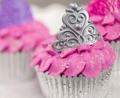 Kako napraviti Princess Kraljevski rođendan Cupcakes