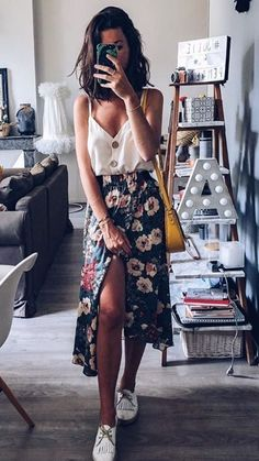 Easy Summer Outfits Floral Midi Skirt Summer Outfit Style Source by summer outfits casual Simple Summer Outfits, Summer Fashion Outfits, Summer Outfits Women, Spring Outfits, Style Summer, Fashion Dresses, Summer Skirt Outfits, Fashion Clothes, Style Clothes