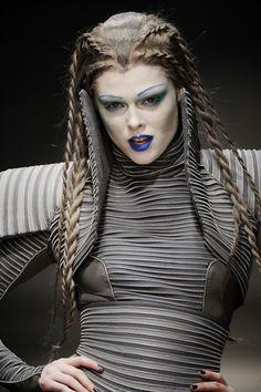 Coco Rocha-future fashion, avant-garde, future girl, futuristic look, gareth pugh Gareth Pugh, Dark Fashion, Fashion Art, Fashion Design, Futuristic Hair, Avant Garde Hair, Mode Costume, Blue Lipstick, Apocalyptic Fashion