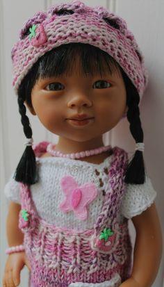 Bonne fête du 1er mai + tuto ensemble (jupe à bretelles-pull manches courtes-bonnet) pour poupées Marieta