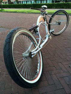 My heavily customized 1997 Dyno Roadster. Bicycle Store, Buy Bike, Bike Run, Motorcycle Bike, Beach Cruiser Bikes, Cruiser Bicycle, Velo Vintage, Vintage Bicycles, Cool Bicycles