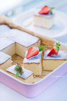 Sernik puszysty jak chmurka Sushi Recipes, Cake Recipes, Cooking Recipes, Cake Cookies, Sugar Cookies, Fluffy Cheesecake, European Dishes, Polish Recipes, Polish Food