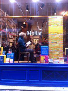 Bleu... Mollat.  Librairie Mollat: indispensable, incontournable et... addictive! Bordeaux, France