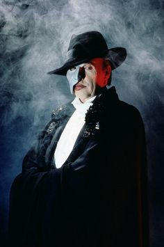 The first time I saw Phantom on stage in 1989, I saw Michael Crawford.  Awesome.