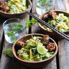 A delicious thai inspired salad filled with mango, avocado and delicious chicken meatballs and of course a drizzle of my fave pb sauce