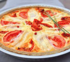 Recette Tarte crémeuse au fromage de brebis et aux 2 tomates - Envie de bien manger