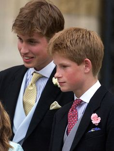 Prince William and his younger brother, Prince Harry, had the cutest childhood photos — especially when they posed with their late mother, Princess Diana. Though Diana tragically passed … Lady Diana, Diana Son, William Y Kate, Prince William And Harry, Prince Harry And Meghan, Prince Edward, Prince William Young, Princess Diana Family, Royal Princess