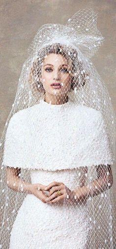 Dies ist mal ein etwas anderer Schleier, trotzdem wundervoll!   #Wedding #Bridesmaid Veil