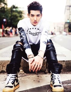 Wu Yi Fan has some serious style! In 2014 Sohu Fashion Awards He was nominated for the Asian Fashion Icon of the Year. Of course he won!