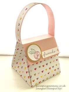 Todays project is an exploding paper handbag. A fantastic concept I found on youtube and just had to try. The lady I saw create this is...