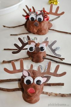 Reindeer Play Dough! - Try our easy, no-cook, chocolate play dough recipe and download the free printable antler, ears, and noses to make these adorable playdough reindeer! Reindeer Cakes, Cool Things To Make, How To Make, Have Some Fun, Free Printables, Play Dough, Cool Stuff, Antlers, Cake Ideas