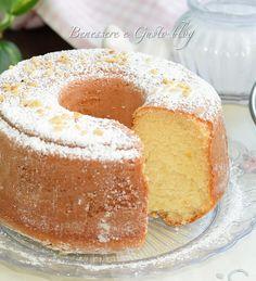 Ciambella della nonna Cake Recipes, Dessert Recipes, Desserts, American Cake, Gluten Free Bakery, Torte Cake, Plum Cake, Angel Cake, Mini Pies