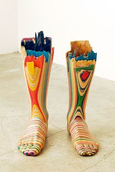 3-dimensional art by Haroshi  (hey, this is how legs feel after a day of shopping at the mall)