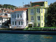 Bosphorus houses (yalı)